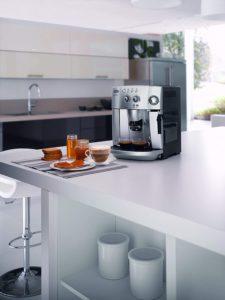 machine à café automatique DeLonghi ESAM4200.S Magnifica