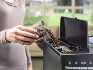 machine à café avec broyeur intégré DeLonghi ESAM 3000 B