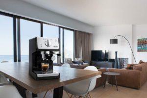 Delonghi ECP33.21.BK : cafetière compacte avec un beau design