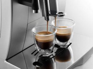 Deux tasses de café à la fois
