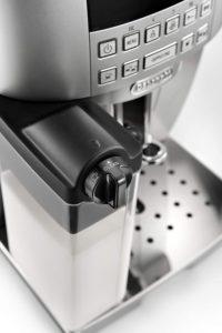 Système de moussage de lait du DeLonghi ECAM 22.366.B