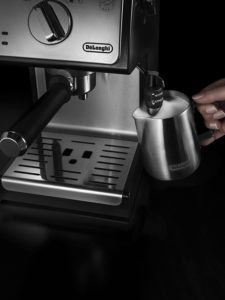 Système cappuccino du Delonghi ECP35.31