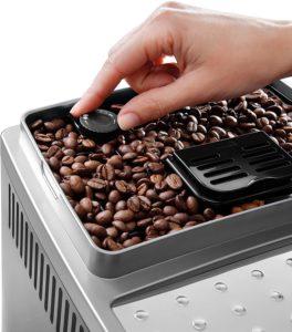 DeLonghi ECAM 22.366.B : Broyeur de grain de café