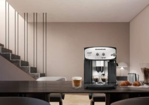 Machine à café entièrement automatique Delonghi Esam 2803
