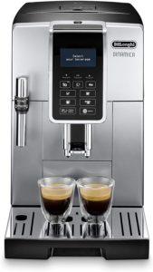 Ameublement du la cafetière entièrement automatique